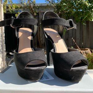 Mossimo platform sandals